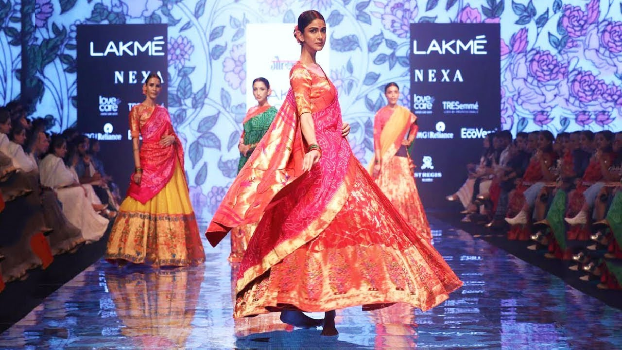 Don't Miss Out On The Lakme Fashion Show 2020 Updates!