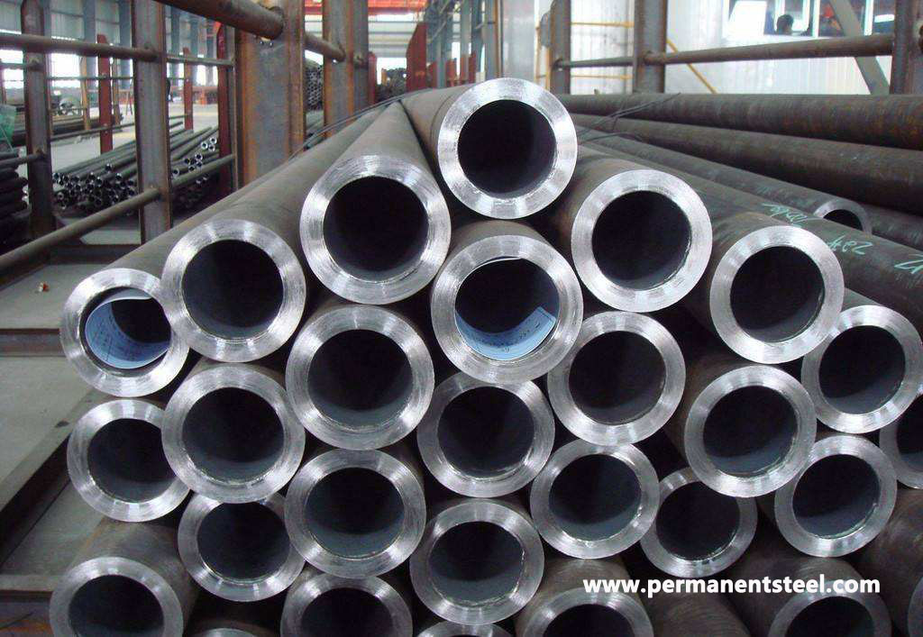 What are the Factors that Affect the Coating of Seamless Steel Pipes?