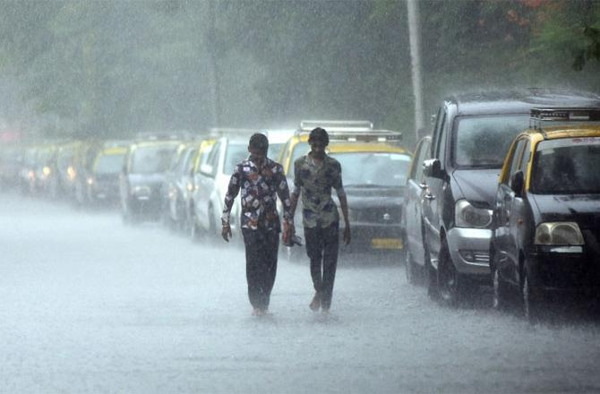 Mumbai Rains 2020: Why Caution Against COVID-19 Needs To Be More Intensive In Monsoon?