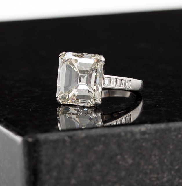 12-Carat Diamond Ring Realizes $143,750 in Andrew Jones Auctions' First-Ever Fine Jewelry, Watches  Timepieces Sale