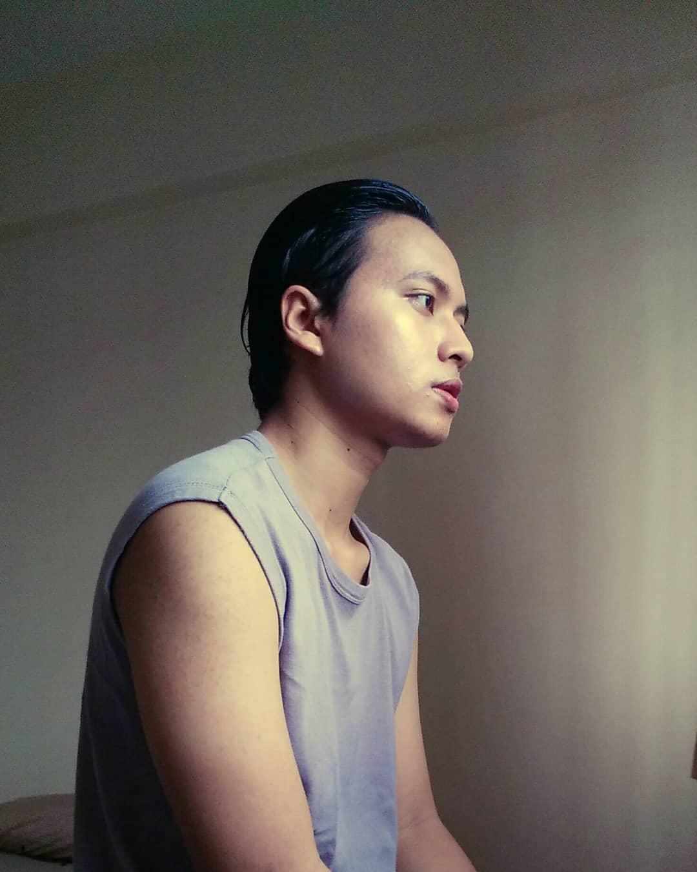 "Izzul Iman Zainal created his own art production ""Lóinórs Art"""