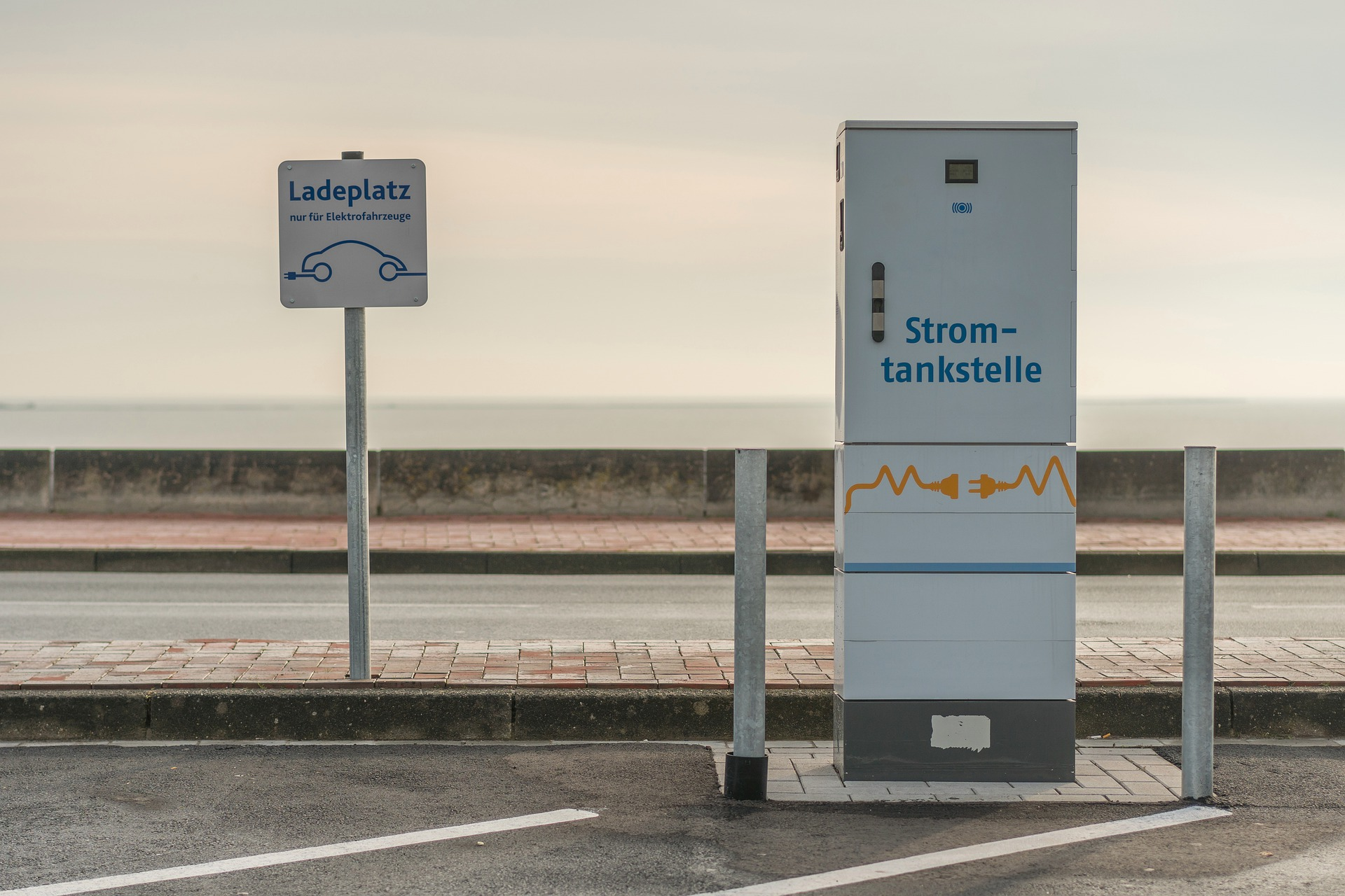 Germany is requiring all gas stations provide EV charging: Why they shouldn't