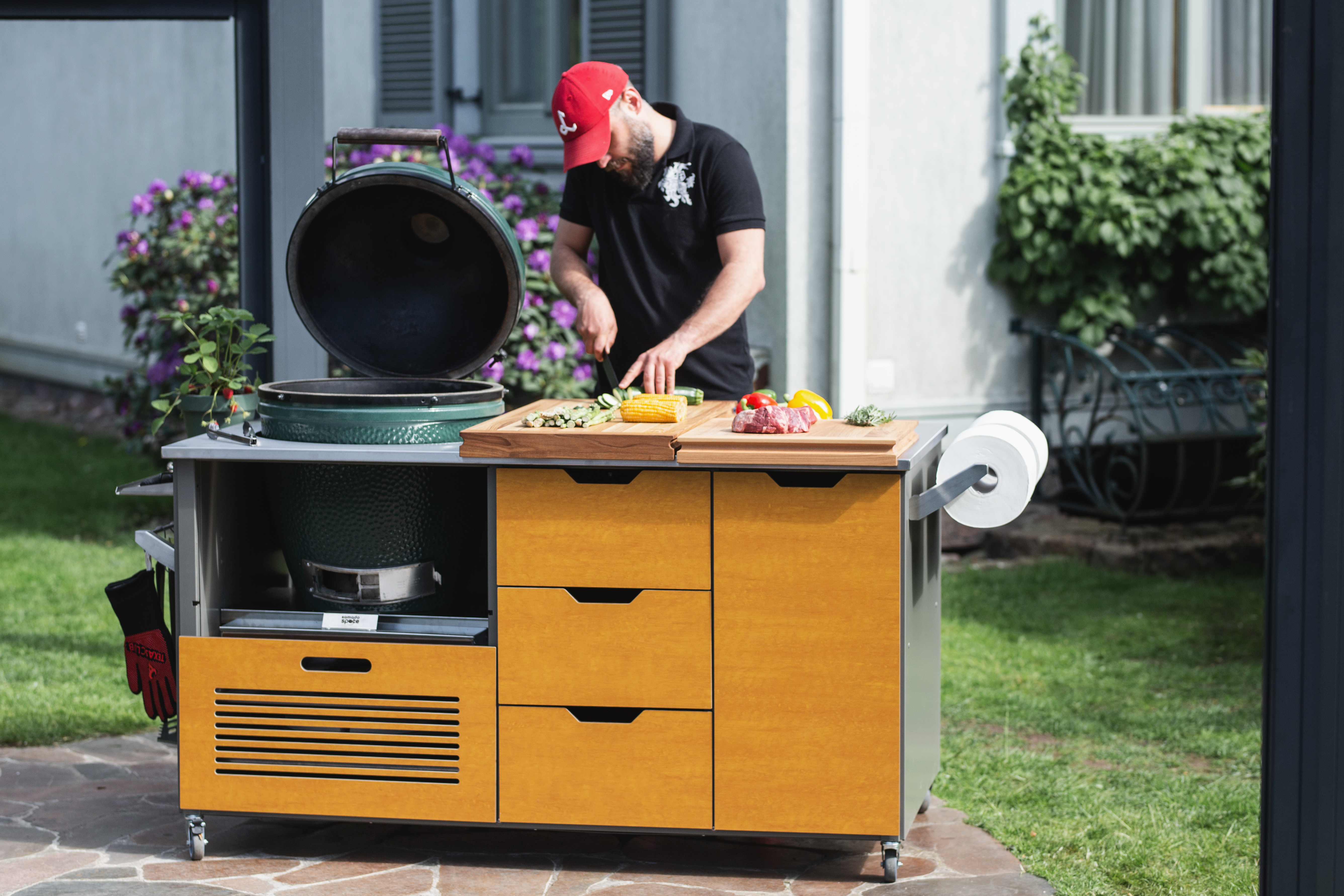 How to Host the Best Summer's end BBQ Party