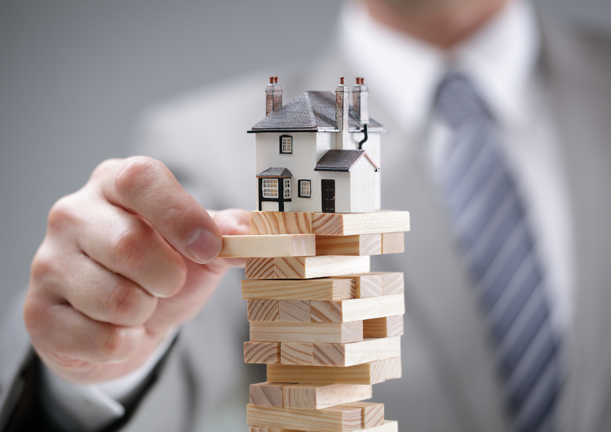 UK PROPERTY MARKET BOOMS, BUT EXPERTS CONSIDER AFTERMATH OF GOVERNMENT STIMULUS ENDING.