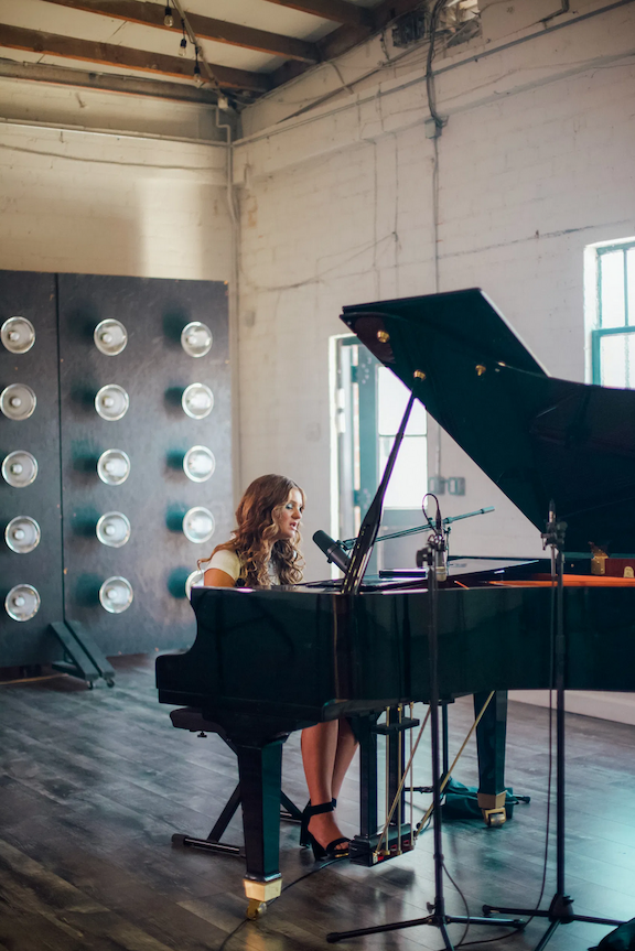 Cloe Wilder Releases Piano Version of Latest Single 'You  Lonely'