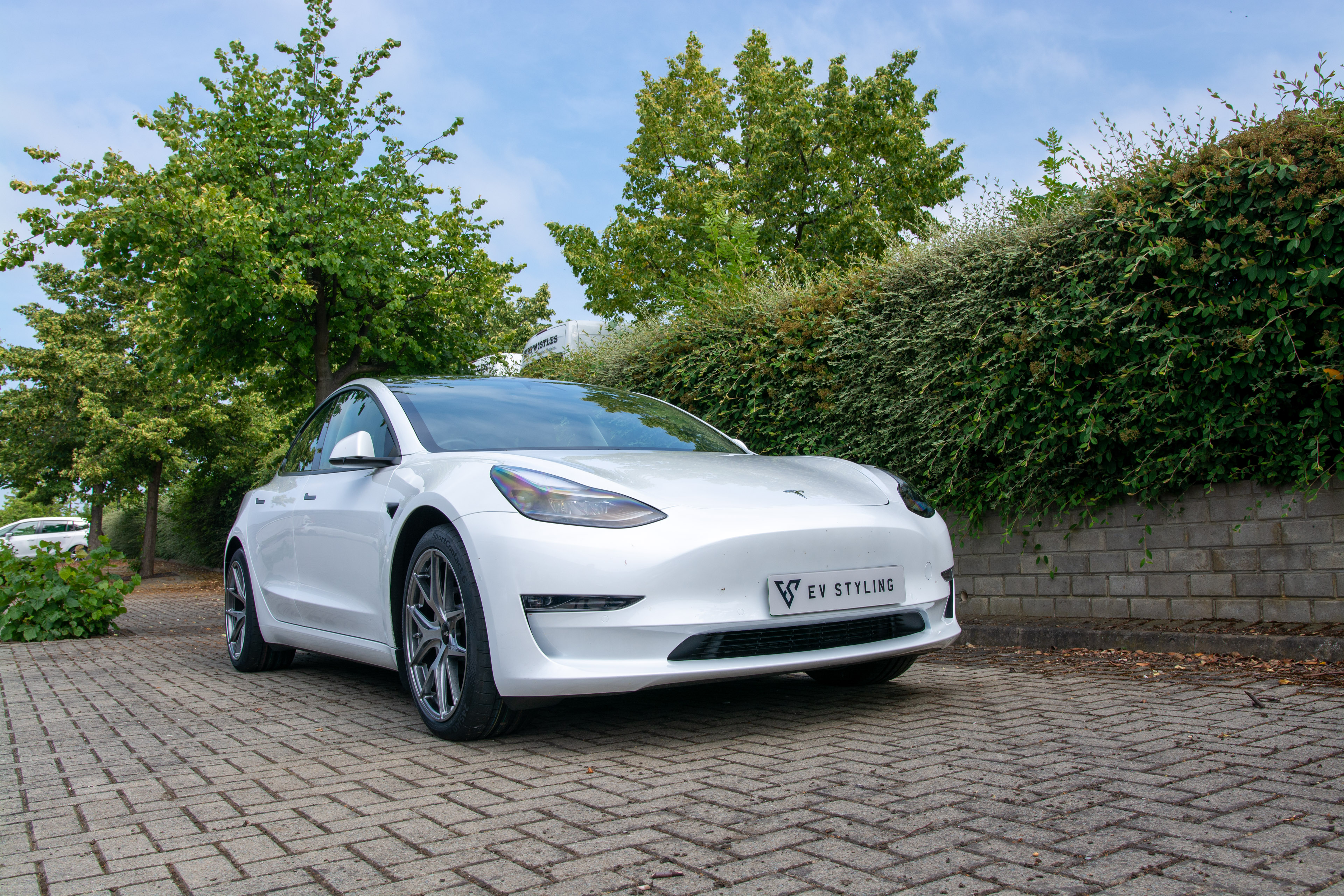Styling for Electric Cars arrives in the UK